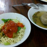 Photo taken at Mie Ayam Pak Mien by adrin s. on 4/11/2017