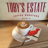 Photo taken at Toby's Estate Coffee by Sooa on 12/5/2014