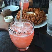 Photo taken at Outback Steakhouse by Nadide on 6/24/2016