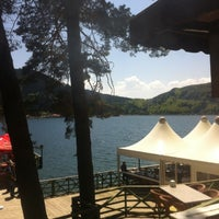 Photo taken at Abant Göl Cafe & Restaurant by NİHAL T. on 5/4/2013