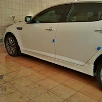 Photo taken at AlDalel Car Wash & Service by Saif A. on 10/6/2014