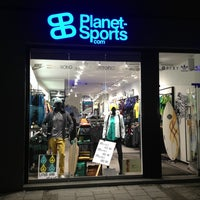Foto tirada no(a) Planet Sports Flagshipstore por sam em 2/23/2013