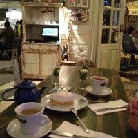 10/26/2012 tarihinde Yildiz G.ziyaretçi tarafından Köşe Kahve'de çekilen fotoğraf