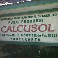 Photo taken at Perh Jamu Tradisional DR Sarjito 'Calcusol' by heri k. on 8/24/2013