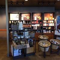 Photo prise au Starbucks par iDakota le1/19/2014