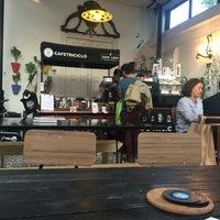 Foto tirada no(a) Café Triciclo por Antonio D. em 10/1/2016