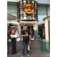 Photo taken at Hard Rock Cafe Jakarta by Ansher S. on 12/11/2014