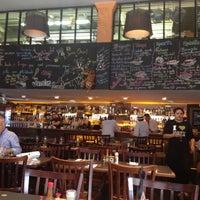 12/3/2012 tarihinde Hubert A.ziyaretçi tarafından Bar da Dona Onça'de çekilen fotoğraf