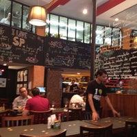11/28/2012 tarihinde Hubert A.ziyaretçi tarafından Bar da Dona Onça'de çekilen fotoğraf