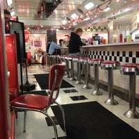 Photo taken at Baby's Burgers & Shakes by Steve C. on 11/30/2012
