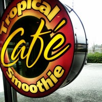 Photo taken at Tropical Smoothie Cafe by Damien S. on 2/16/2013