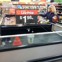 Foto diambil di Walmart Supercenter oleh Damien S. pada 10/27/2012