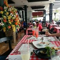Foto tomada en Carantanta Restaurante por Gilbert R. el 8/15/2016