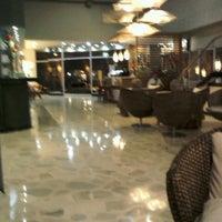Foto tomada en Hotel Ciudad Bonita por Gilbert R. el 1/29/2013