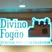 Photo taken at Divino Fogão by Rubens H. on 5/4/2014