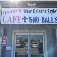 Photo taken at David's New Orleans Style Snow Balls Inc. by Sasha on 11/5/2017