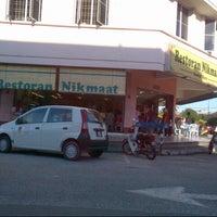 Photo taken at Restoran Nikmaat by Ana N. on 1/6/2013