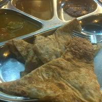 Photo taken at Restoran Nasi Kandar Di Noor by Athirah M. on 11/19/2016