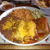 รูปภาพถ่ายที่ Azteca Mexican Restaurant โดย Jimmy S. เมื่อ 12/11/2012