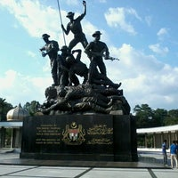 Photo taken at National Monument (Tugu Negara) by Syakir R. on 3/4/2013