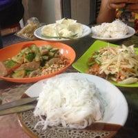 Photo taken at ส้มตำรสเด็ด by ©🚂PeePö N. on 6/12/2013