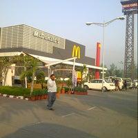 Photo taken at McDonalds - Drive Thru by Wahid B. on 10/13/2012