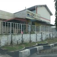 Photo taken at Pejabat Pos Besar Kota Tinggi by Lina on 3/5/2013