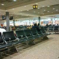 11/12/2012 tarihinde Anatoly K.ziyaretçi tarafından Terminal 2'de çekilen fotoğraf