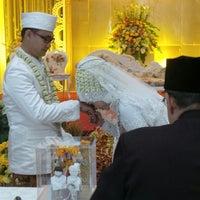 Photo taken at Balai Dayang Sumbi ITENAS by Muhammad Z. on 6/8/2014