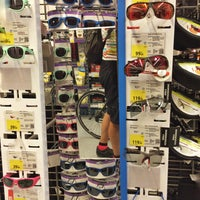 Photo taken at Decathlon by Miguel d. on 8/11/2017