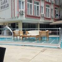 5/26/2018 tarihinde Yusuf .ziyaretçi tarafından Lara World Hotel Havuz Başı'de çekilen fotoğraf