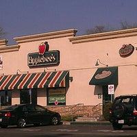 Photo taken at Applebee's Neighborhood Grill & Bar by Antonio on 1/20/2013