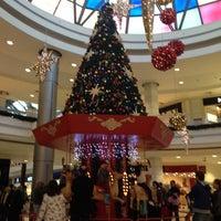 11/17/2013 tarihinde BÜLENTziyaretçi tarafından CarrefourSA Bursa AVM'de çekilen fotoğraf
