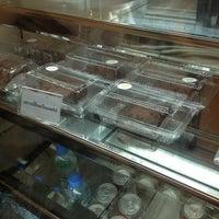 Photo taken at Tonkluay Cafe by ความทรงจำ on 10/3/2012