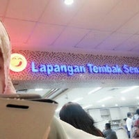 Photo taken at Bakso Lapangan Tembak Senayan by fahrial _. on 1/13/2013