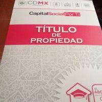 Das Foto wurde bei Registro Público de la Propiedad y Comercio von Rosalba am 11/28/2015 aufgenommen
