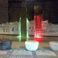 3/30/2013 tarihinde Dilaraziyaretçi tarafından Yüzen Taşlar Heykeli'de çekilen fotoğraf
