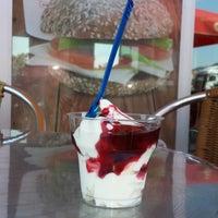 Das Foto wurde bei Burger King von Emre Ş. am 7/8/2013 aufgenommen