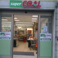 Photo taken at SUPER COAL by Roberto G. on 9/28/2012