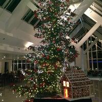 Photo taken at Sheraton Frankfurt Airport Hotel & Conference Center by KADİR S. on 12/30/2012