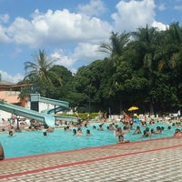 Photo taken at Clube Girassol by Webert F. on 1/4/2014