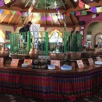 Foto tomada en Cenaduria La Lupita II por Fany P. el 4/17/2015