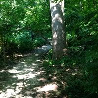 รูปภาพถ่ายที่ Rock Creek Running Trail โดย Love C. เมื่อ 6/15/2013