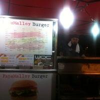 Photo taken at Papamalloy Burger by هوزايفه أويس on 2/25/2013