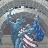 Photo taken at Eric Grohe murals - Liberty Remembers and Great American Crossroad by Tonya P. on 7/10/2014
