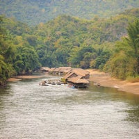 Photo taken at River Kwai Jungle Raft Floating Hotel Kanchanaburi by 💞🍭🍫🍒Ying😎💑💕 on 12/5/2016