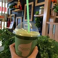 Photo taken at Mooshi Green Smoothie + Juice Bar by Antonette V. on 2/20/2014