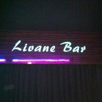 1/19/2013 tarihinde Aytac Akbinziyaretçi tarafından Livane Cafe & Bar'de çekilen fotoğraf