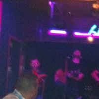 10/6/2012 tarihinde Aytac Akbinziyaretçi tarafından Livane Cafe & Bar'de çekilen fotoğraf