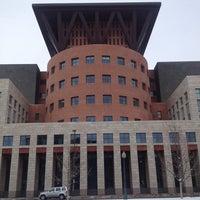 รูปภาพถ่ายที่ Central Library โดย David H. เมื่อ 3/24/2013